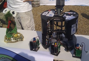 the robot, its beacon system and the Jury Prize